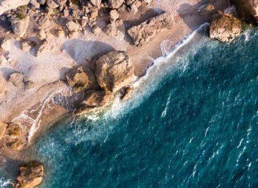 Σκόπελος, Διακοπές σε ελληνικά νησιά