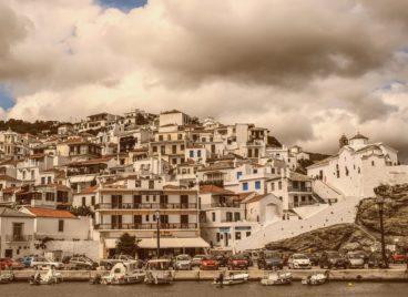 Modern History of Skopelos Island, Skopelos Hotels